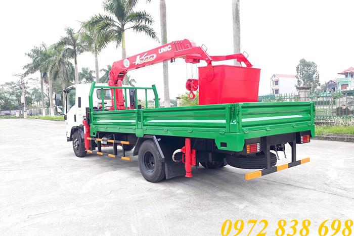 xe tải isuzu 5 tấn nqr75le4 gắn cẩu unic 3 tấn