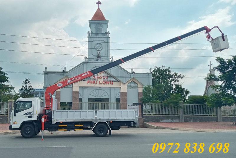 xe tải hyundai mighty ex8l gắn cẩu unic 3 tấn